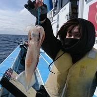 3月4日 外房勝浦川津のマサバ〜イカのリレー釣り!!。のサムネイル
