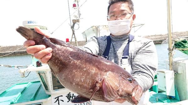 4月20日 外房勝浦川津のマハタ五目!!。