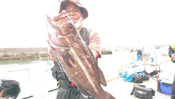 6月13日 外房勝浦川津のマハタ根魚五目!!。のサムネイル