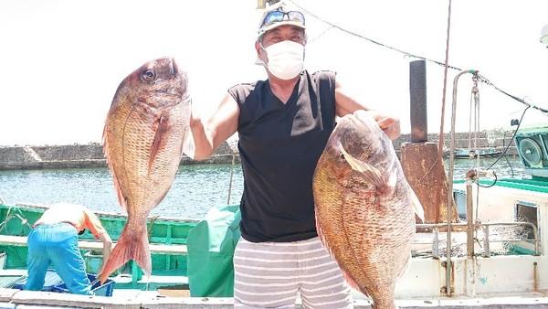 7月31日 カモシ釣りでマダイ6.9kg〜!!。のサムネイル